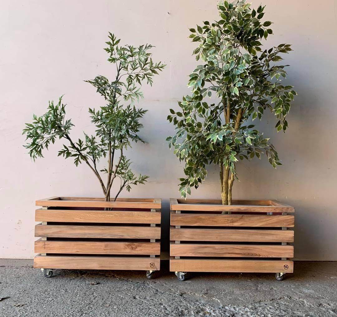 Plantekasser i bøg, Råt&Godt, genbrugsbyggematerialer, bæredygtighed, social ansvarlighed, Aalborg, Nordjylland